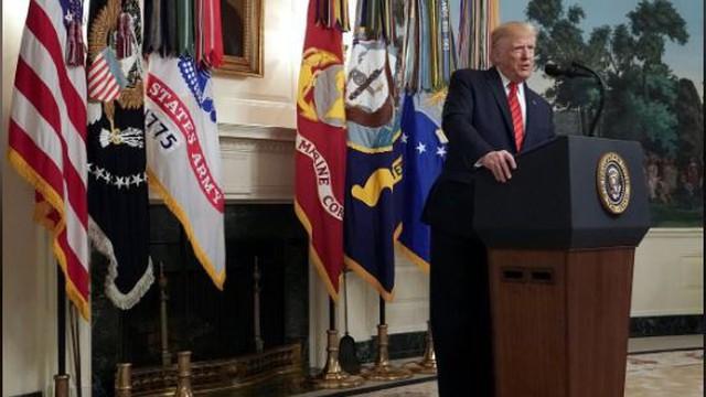 Dù tiêu diệt thủ lĩnh IS, ông Trump 'vẫn chật vật'