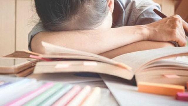 Lời cầu xin cha mẹ, thầy cô 'cho chúng con đường sống' của học sinh rúng động cộng đồng mạng