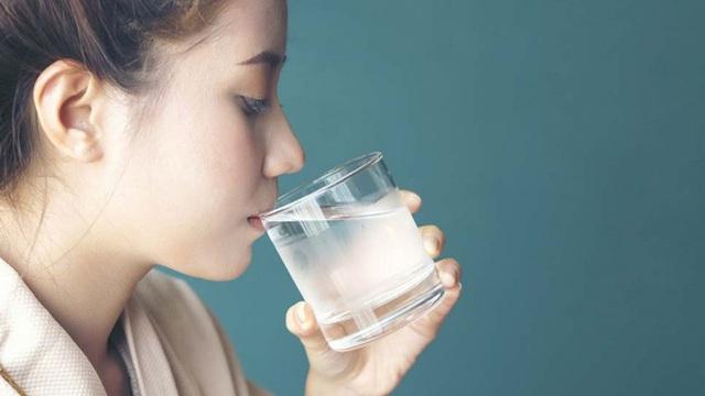Có 4 dấu hiệu bất thường này sau khi uống nước thì chứng tỏ bạn đang bị bệnh