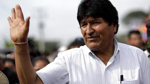 """[CLIP] Cựu Tổng thống Bolivia trải qua chuyến bay """"căng như dây đàn"""" để đi tị nạn"""