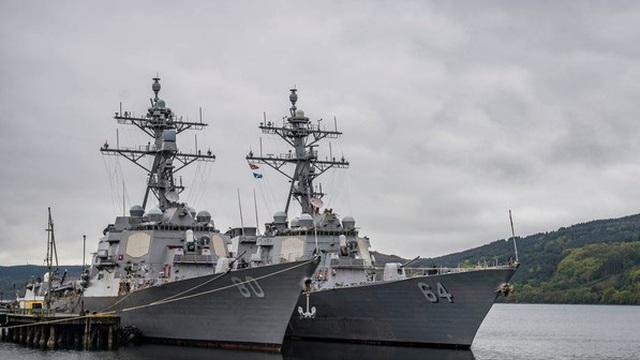 """Sợ """"chọc giận"""" Nga, TT Trump hủy cả chiến dịch của hải quân Mỹ trên Biển Đen"""