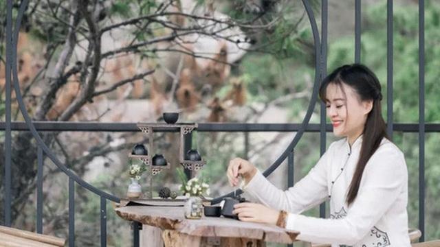Người phụ nữ dành cả phần còn lại của cuộc đời mình cho việc tạo không gian sống đẹp yên bình trên núi