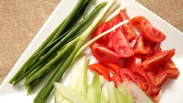 Bí quyết trường thọ của lương y gần 100 tuổi với rau, khoai