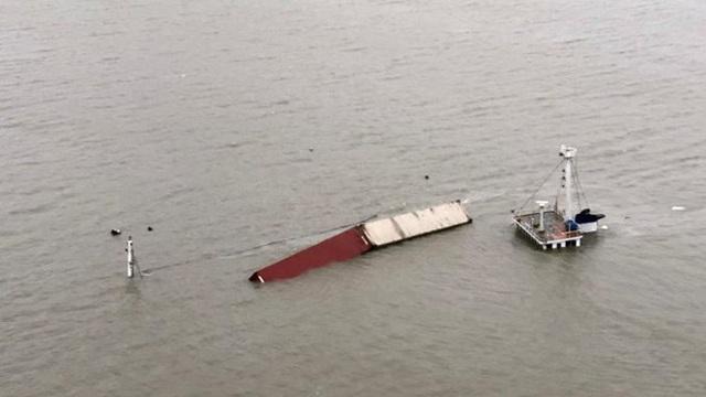 Tai nạn tàu chở hàng Đài Loan chìm sau khi va chạm ngoài khơi