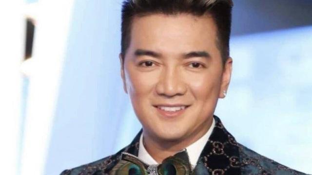 Vì sao tạm hoãn phiên toà ca sĩ Đàm Vĩnh Hưng bị kiện?