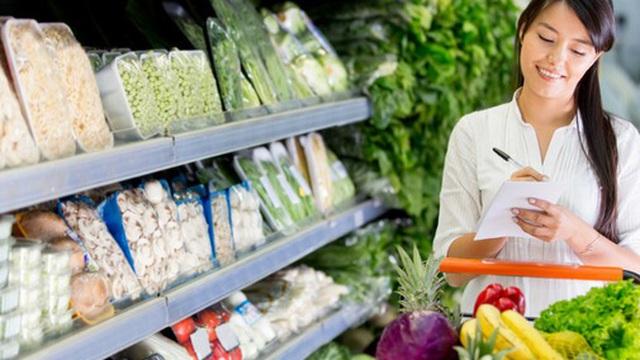 """Dễ mà khó: Làm cách nào để tiết kiệm được nhiều tiền nhất khi đi siêu thị, hãy nghe các chị em chia sẻ 7 """"bí kíp"""" tinh ranh"""