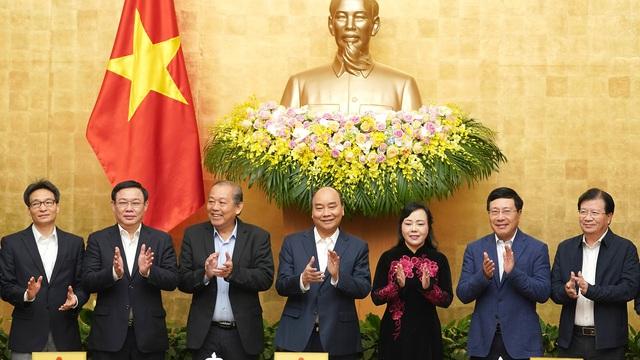 Thủ tướng phát biểu chia tay, biểu dương nguyên Bộ trưởng Y tế