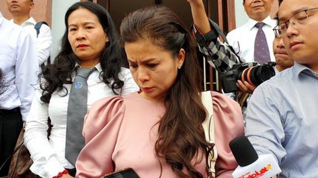 Bà Lê Hoàng Diệp Thảo: 5 mẹ con đều cầu xin HĐXX để gia đình có cơ hội đoàn tụ