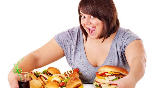 Những thói quen xấu gây béo bụng