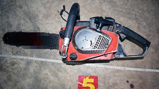Cự cãi với vợ, người đàn ông ở Đồng Tháp cầm cưa máy cắt cổ tự vẫn
