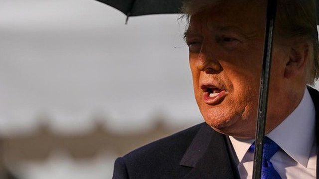 """Ông Trump tự """"bắn vào chân"""" trong cuộc thương chiến với Trung Quốc"""