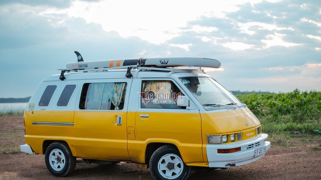 Khám phá Toyota VAN 1987 độ cực độc của dân chơi Sài Gòn