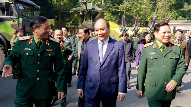 CHÙM ẢNH: Thủ tướng dự Hội nghị Quân chính toàn quân