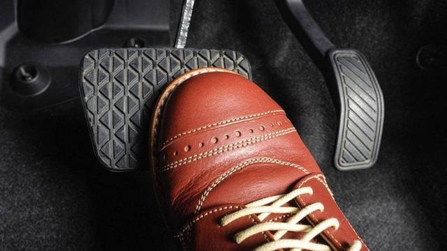Lái mới nên sử dụng phanh xe thế nào cho đúng cách?