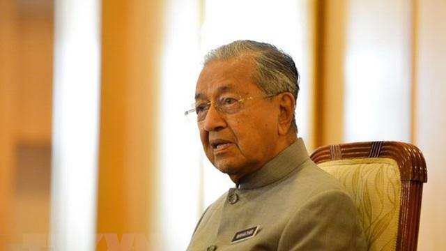 Thủ tướng Malaysia Mahathir tuyên bố sẽ chuyển giao quyền lực
