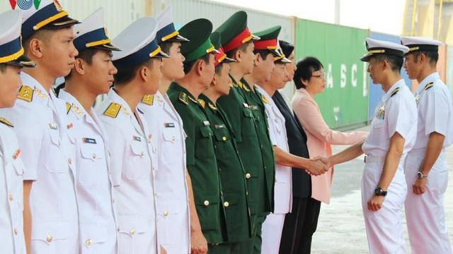 Tàu quét mìn của Lực lượng Tự vệ trên biển Nhật Bản thăm Đà Nẵng