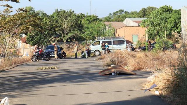 Điều tra người đàn ông chết cháy giữa ngã ba đường