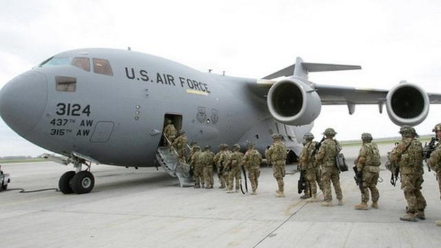 """[ẢNH] Đặc nhiệm Mỹ sơ tán trước sức tấn công mãnh liệt của """"lính người Nga"""""""