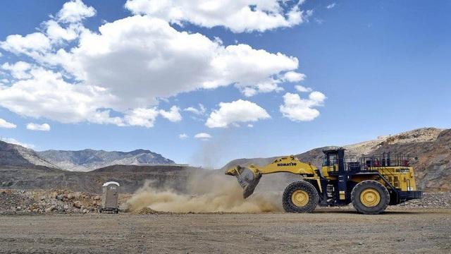 Lầu Năm góc muốn dự trữ nam châm đất hiếm cho tên lửa, máy bay quân sự