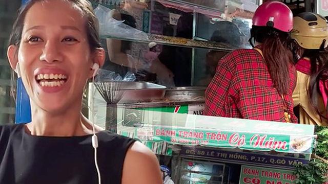 Hàng bánh tráng trộn lạ lùng giữa Sài Gòn của cô Năm, người đàn bà đầy nghị lực đứng lên sau đổ vỡ, bán bánh bán cả sự lạc quan yêu đời cho khách