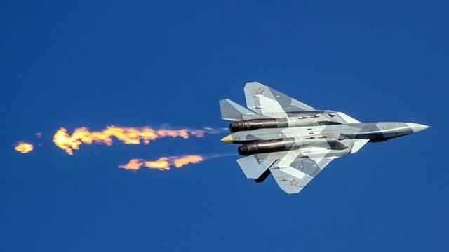 """Báo Mỹ: Tiêm kích tàng hình Su-57 Nga """"không phù hợp cho không chiến"""""""