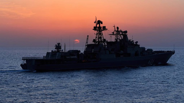 Tàu chiến Nga rẽ sóng, nối đuôi nhau tiến vào Địa Trung Hải: Sắp có biến lớn?