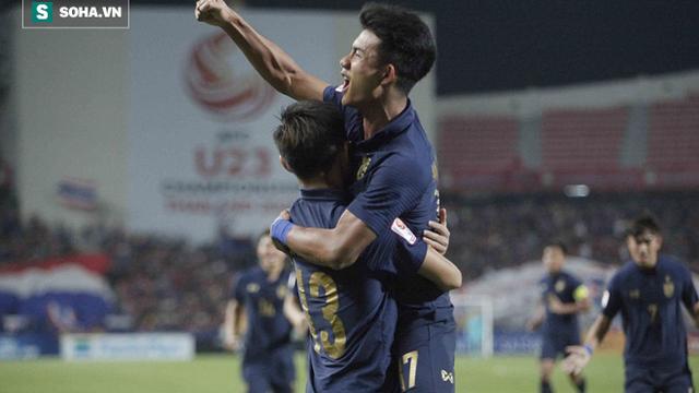 U23 Thái Lan ăn mừng cực sung, tri ân nhóm CĐV đặc biệt sau tấm vé lịch sử ở U23 châu Á