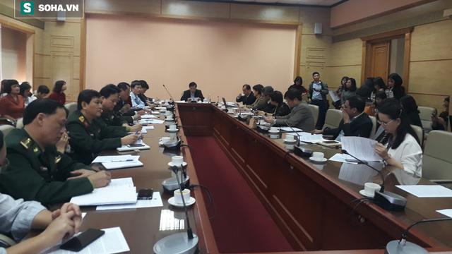 2 bệnh nhân nghi ngờ viêm phổi cấp Trung Quốc tới Việt Nam: Bộ Y tế họp khẩn