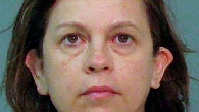 Người vợ lĩnh án 25 năm tù vì sát hại chồng bằng thuốc nhỏ mắt