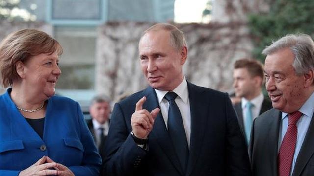 Trong lúc châu Âu 'ngủ say', Putin biến Matxcơva thành trung tâm chính trị thế giới