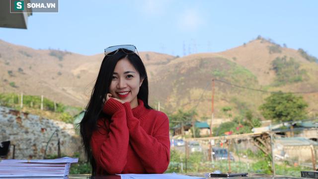 Á hậu Ngọc Trâm 'nghiện' đi từ thiện: ''Hãy cho đi dù chỉ là một cái ôm, một sự quan tâm''