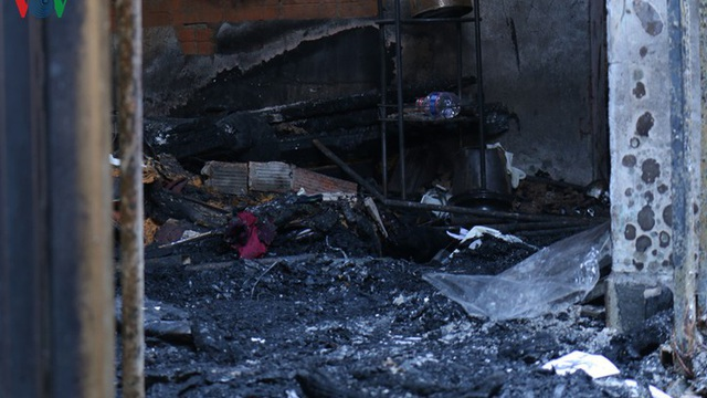 Cận cảnh bên trong căn nhà bị cháy khiến 5 người chết ở TP HCM