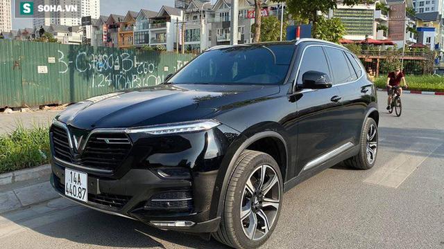 Sát Tết, đại gia Quảng Ninh rao bán lại xe VinFast Lux SA2.0 sau 10 ngày đăng kí