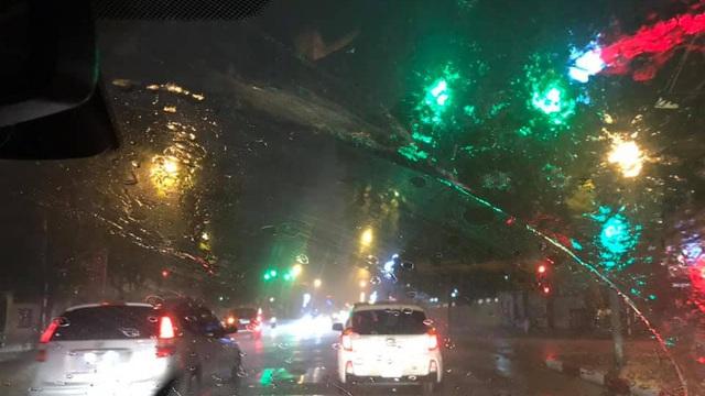 Vì sao Hà Nội đón mưa rào vào đêm giao thừa xuân Canh Tý?