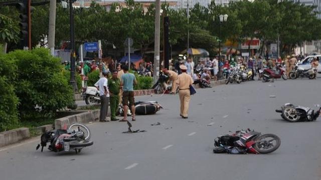 """20 người """"ra đường không về"""" do tai nạn giao thông ngày mùng 4 Tết"""