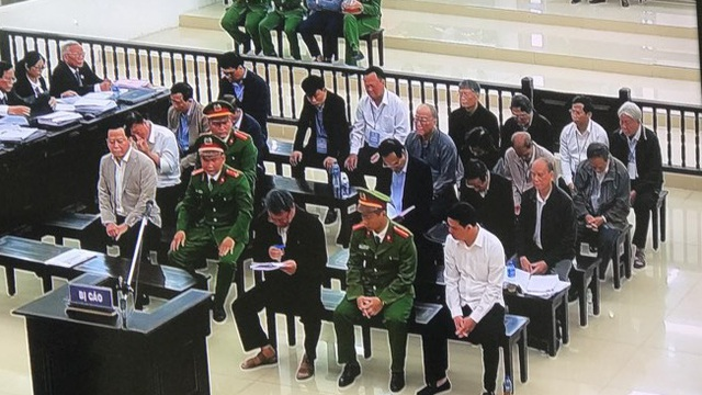"""Cựu Phó Chánh Văn phòng Đà Nẵng khóc nghẹn lời nói """"sợ không qua khỏi trong tù"""""""