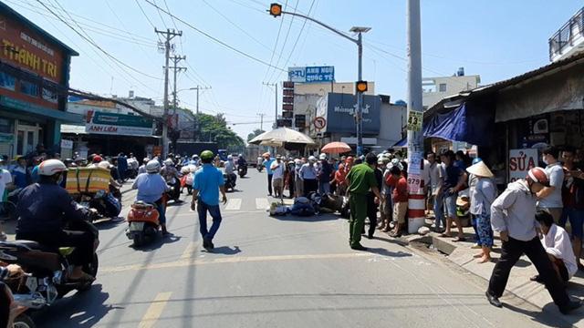 Va chạm với xe tải, người phụ nữ tử vong thương tâm ở Sài Gòn
