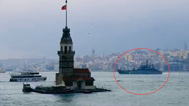 [ẢNH] Thổ Nhĩ Kỳ dọa 'bóp yết hầu' Bosphorus, chặn đường tiếp vận của Nga cho Syria