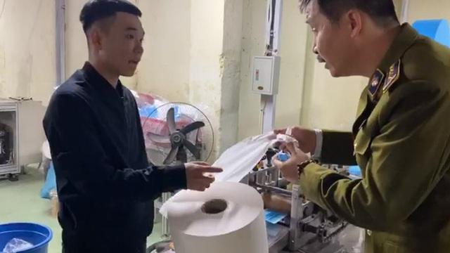 Vụ sản xuất khẩu trang bằng giấy vệ sinh: Chuyển hồ sơ sang cơ quan điều tra