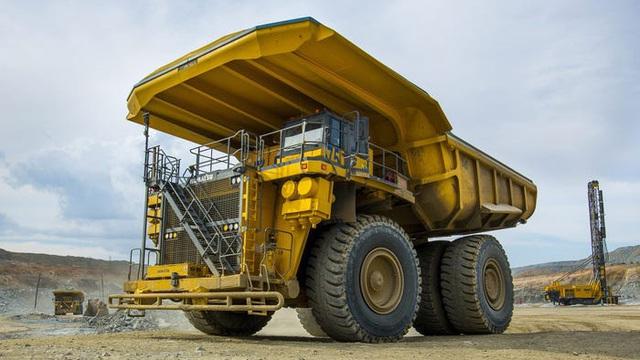 Đây chính là chiếc xe điện lớn nhất thế giới, nặng tới 290 tấn