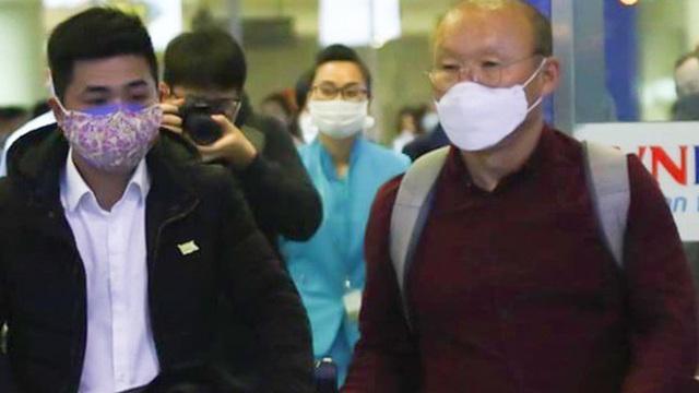 Vì sao ông Park Hang-seo chưa phải cách ly 14 ngày để phòng dịch Covid-19?