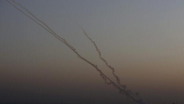 Israel bị tấn công, máy bay chiến đấu đồng loạt xuất kích trả đũa