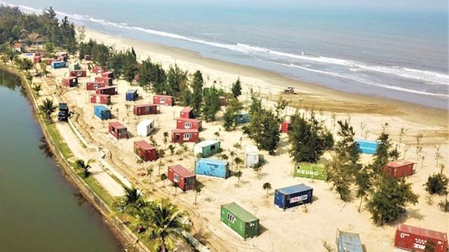 Chủ đầu tư lý giải việc tự ý xây nhà nghỉ container trong rừng phòng hộ ở biển Xuân Thành