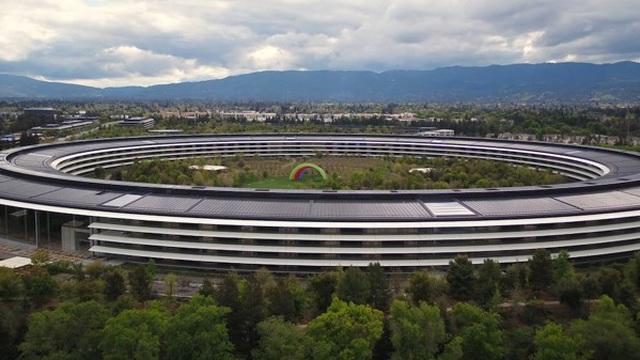 Apple Park như thị trấn ma giữa mùa dịch COVID-19