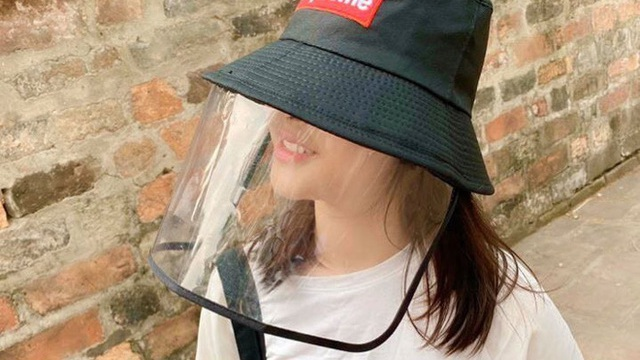 Mũ chống giọt bắn đang cháy hàng trên thị trường có ngăn được virus SARS-Cov-2?