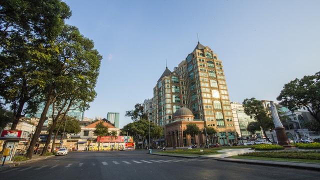 Cùng ngắm Sài Gòn im ắng và trật tự khác thường để phòng dịch Covid-19