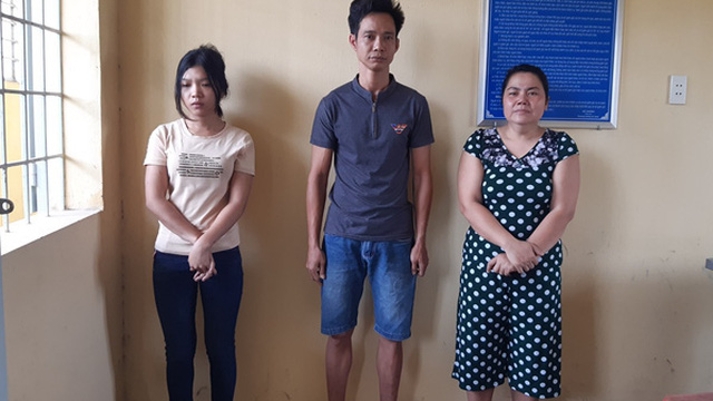 Khởi tố vợ chồng chủ quán tra tấn nhân viên vì không kích dục cho khách