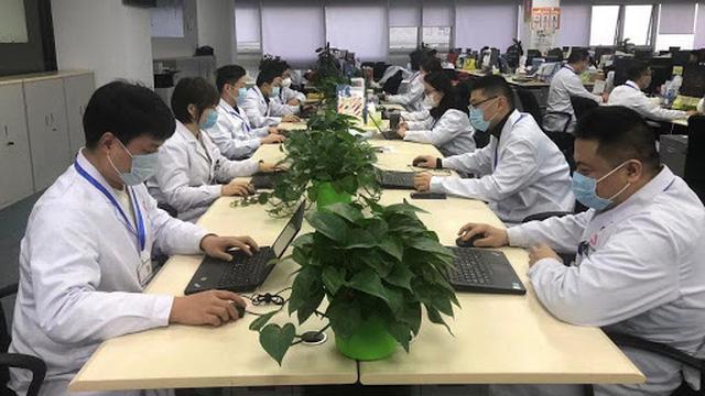 """[VIDEO] Mùa dịch COVID-19: Quy trình """"từ khám bệnh đến bốc thuốc"""" không cần ra khỏi nhà ở Trung Quốc"""