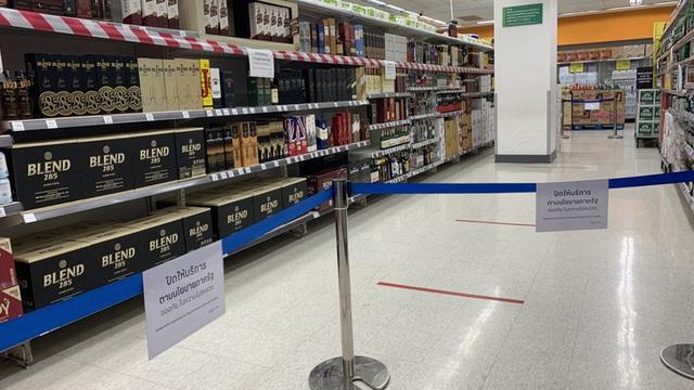 Thái Lan cấm bán rượu bia trên toàn quốc để ứng phó với dịch Covid-19