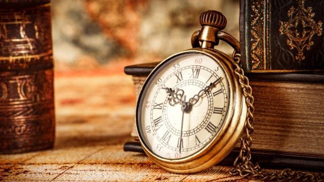 Tìm thấy chiếc đồng hồ khách để quên trong túi, chủ tiệm giặt là kinh ngạc khi mở ra xem và phát hiện 1 loạt bí mật bất ngờ (P1)